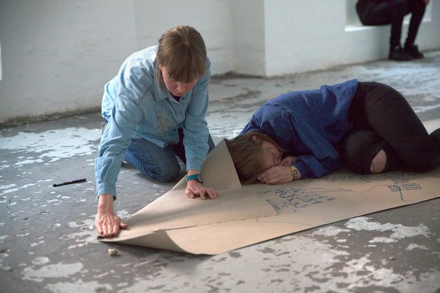 Kroppens Kalke, Maarit Mustonen og Hanne Marie le Fevre